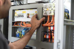 Hand Schaltschrank - MAURUS Automatisierungstechnik in Bodenheim